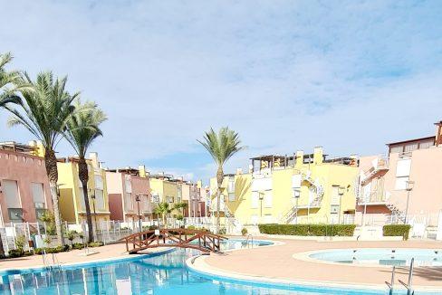 Pueblo Laguna Pool