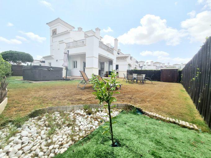 3 Bed 2 Bath Upgraded Townhouse on Huge Plot – La Torre Golf Resort – Murcia